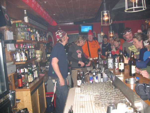haeggbloms bar afterski team sweden